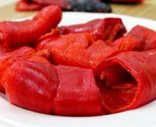 Красный перец чили запеченный в духовке