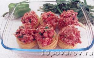 макароны гнезда с фаршем в духовке фото