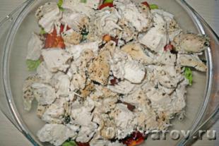 салат цезарь с курицей и сыром