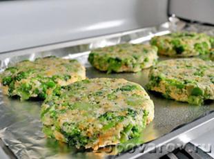 Оладьи из брокколи в духовке