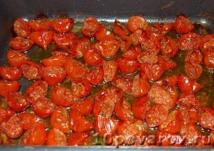 спагетти с запеченными помидорами