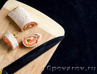 рулет из лаваша с копченым лососем