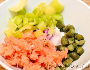 салат с лососем слабосоленым рецепт с фото