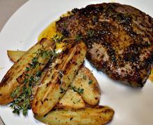 Бифштекс из говядины на сковороде