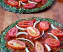 Диетическая пицца с основой из брокколи