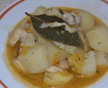 Картофель тушеный с куриным филе