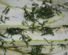 Пикантная закуска из кабачков
