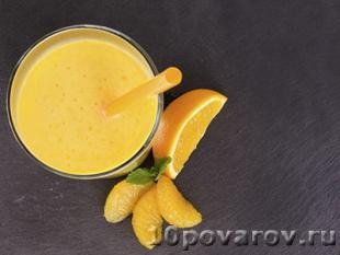 Смузи из апельсина и йогурта