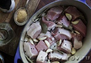 Адобо из свинины по-филиппински