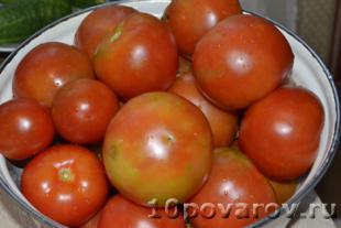 Аджика из хрена с помидорами и чесноком