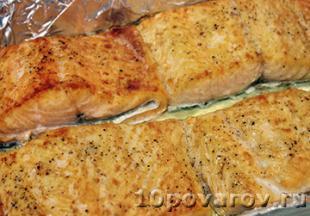 сколько запекать лосось в духовке