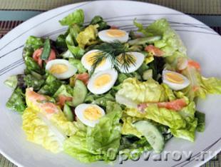 салат с копченым лососем фото