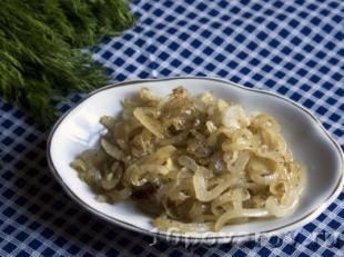 Салат из куриной печени и шампиньонов