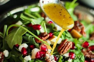 салат из рукколы и граната