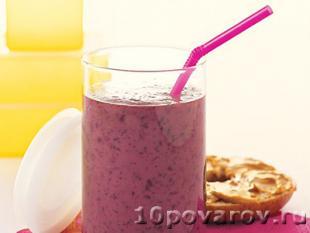 Смузи с соевым молоком и ягодами